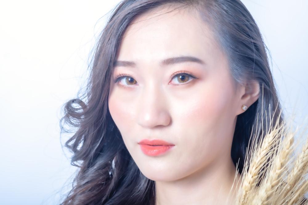 6 Gaya makeup ala Korea ini wajib dicoba, nggak melulu natural berbagai sumber
