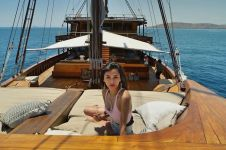 12 Potret liburan Adinda Bakrie di Labuan Bajo, seru dan mewah abis