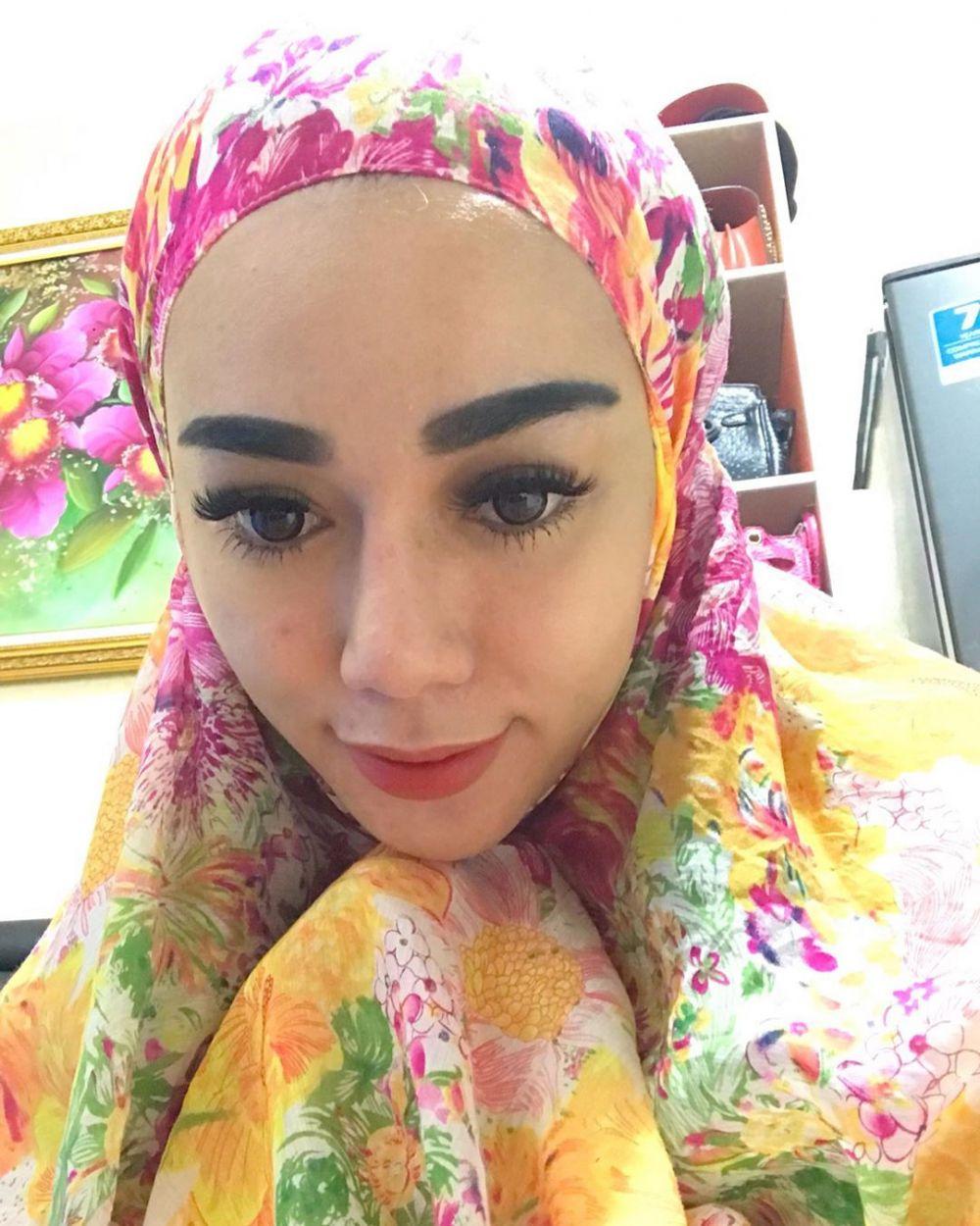 Bebby Fey mukena instagram