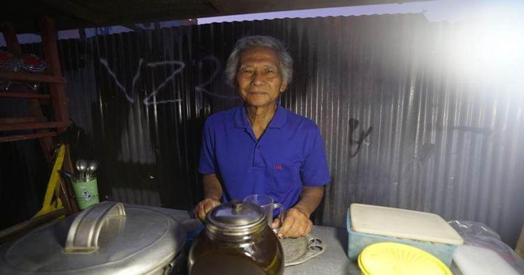 Setyanto, pria 81 tahun di balik legendarisnya Bajigur Tamansari