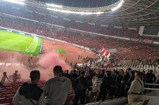 Detik-detik kericuhan Indonesia vs Malaysia, laga sempat dihentikan