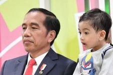 Temani Jan Ethes, Jokowi dan keluarga kompak kenakan baju putih