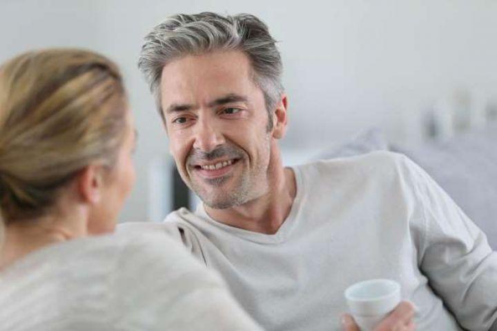 10 Alasan wanita memilih pria yang lebih tua dari dirinya