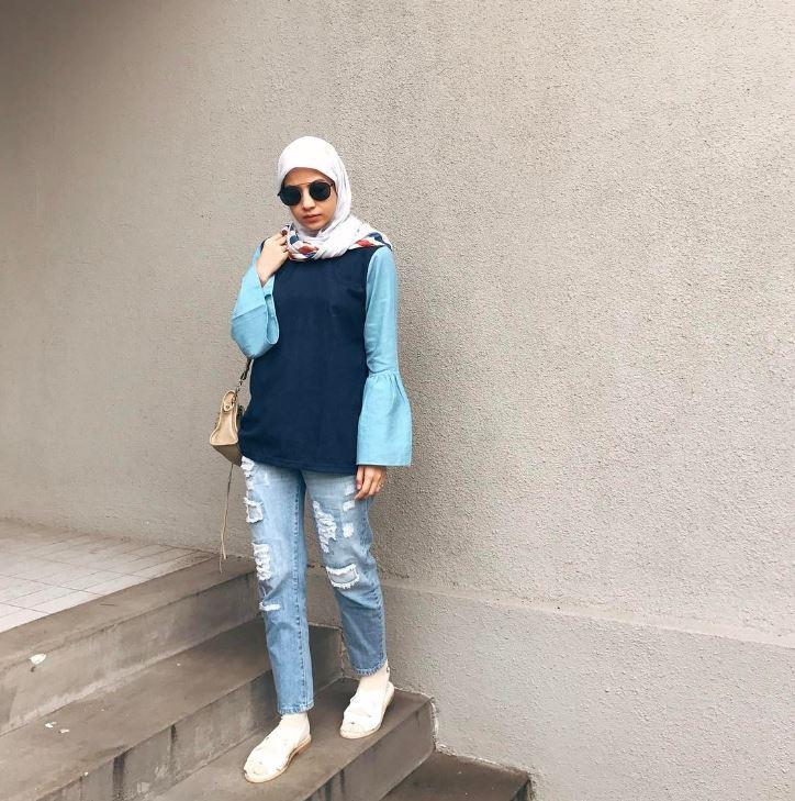 Seleb ini masih hobi pakai jeans sobek-sobek  Instagram