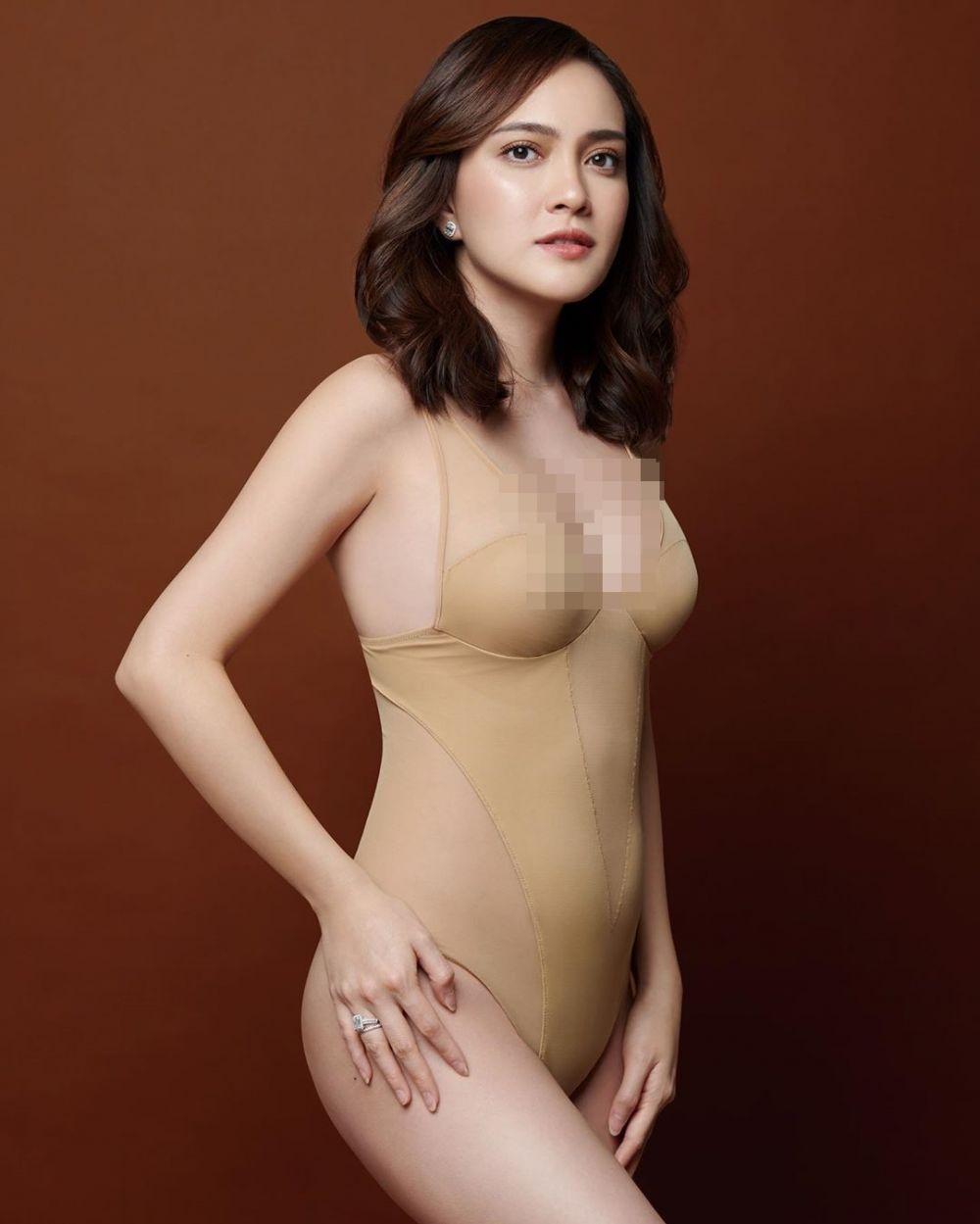 pemotretan maternity seleb bikini  Instagram