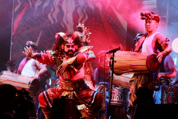 Ada aura magis kisah asli Bali di atas panggung utama Soundrenaline