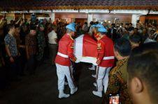 Deretan seleb dan pejabat negara sambut jenazah BJ Habibie di rumah