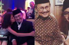 7 Potret kedekatan BJ Habibie bersama cucu, sosok eyang idaman