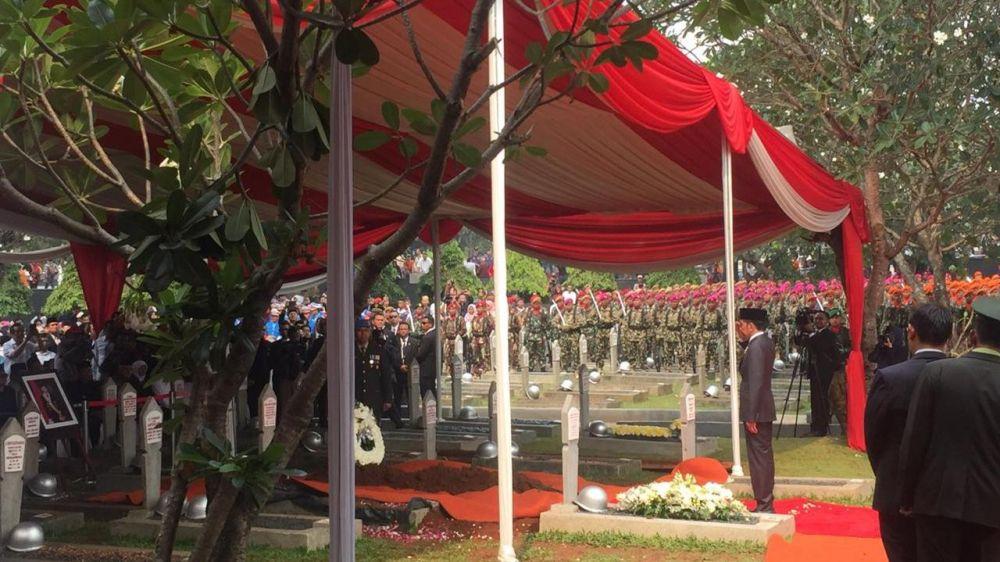 pemakaman bj habibie © 2019 berbagai sumber