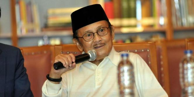 Jokowi sebut 'Selamat jalan Mr Crack', ini kisah julukan Habibie itu