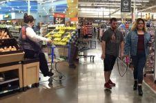 10 Kelakuan cewek di supermarket ini bikin nggak habis pikir