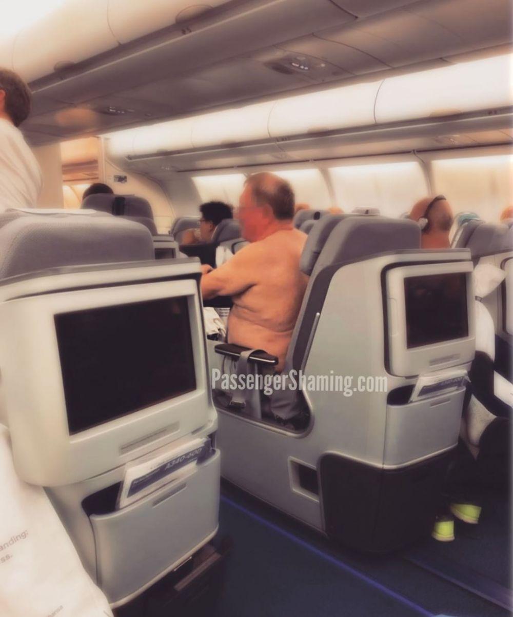 kelakuan absurd penumpang pesawat Instagram