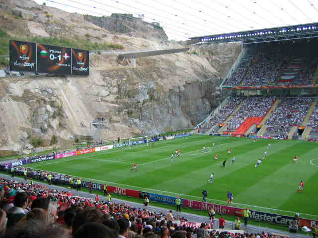 Lokasi 10 stadion sepak bola ini antimainstream