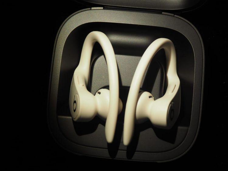 5 Kelebihan Powerbeats Pro, wireless earphone pecinta musik & olahraga