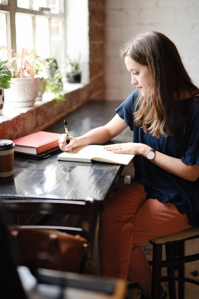 9 Cara menghilangkan grogi saat wawancara kerja Unsplash