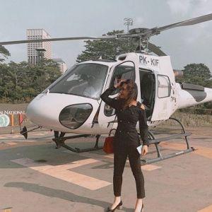 Gaya 7 seleb jalan-jalan pakai helikopter, mewah abis
