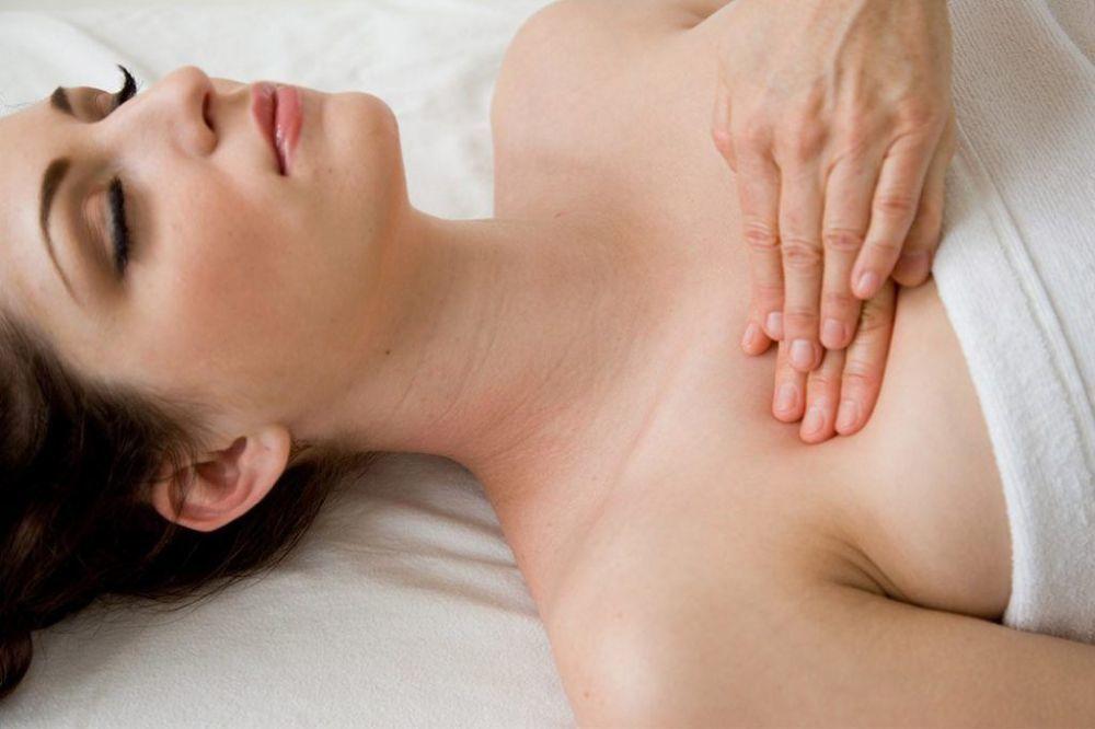 Cara alami memperbesar payudara istimewa