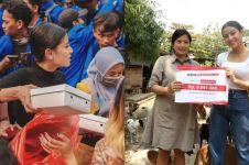 5 Aksi sosial Awkarin ini tuai pujian, termasuk bagi nasi saat demo