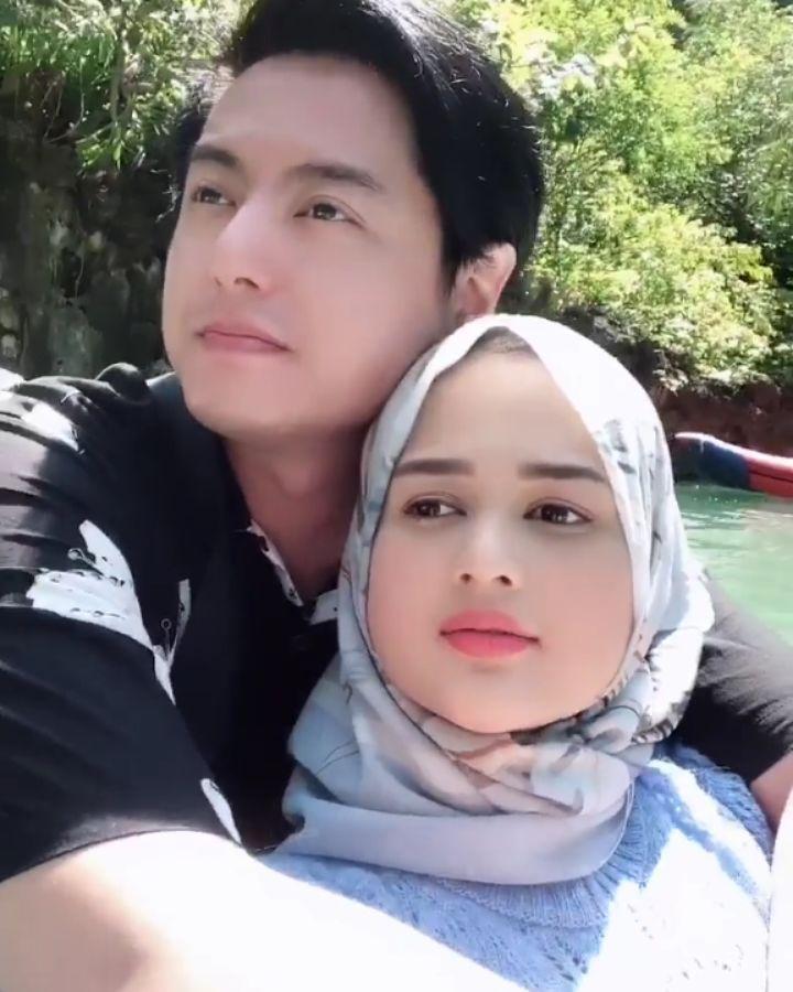 Momen liburan Roger & Cut Meyriska di Thailand Instagram