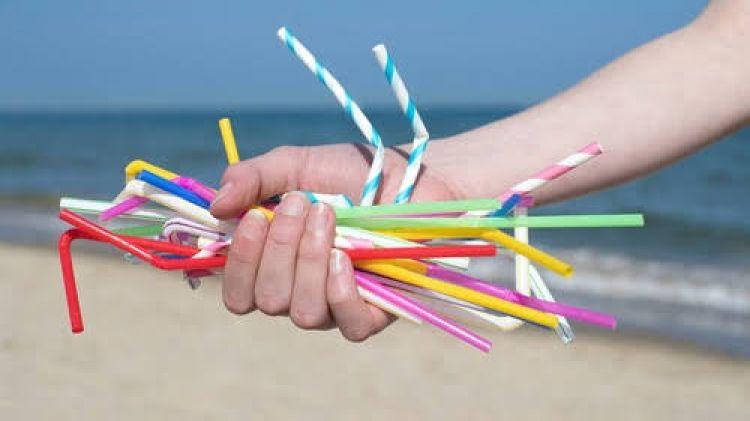 Tak lagi dari plastik, perusahaan ini bikin sedotan berbahan kertas