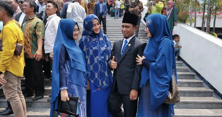 Lora Fadil tertidur saat pelantikan DPR, ini pembelaan istri ketiga