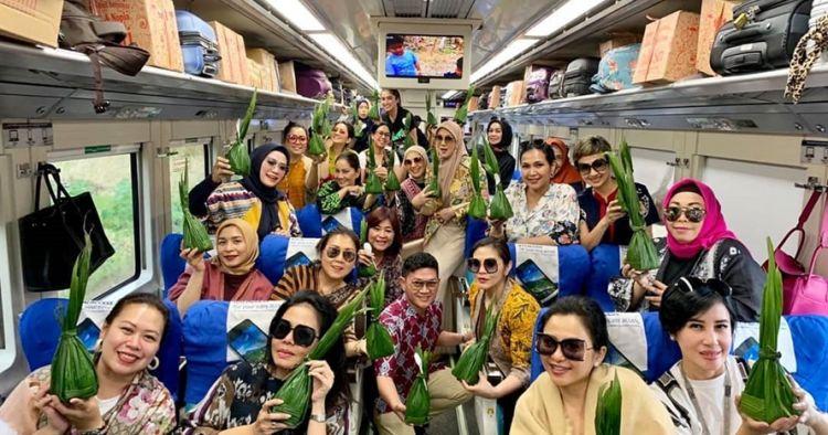7 Momen Mayangsari boyong geng sosialitanya ke Purwokerto