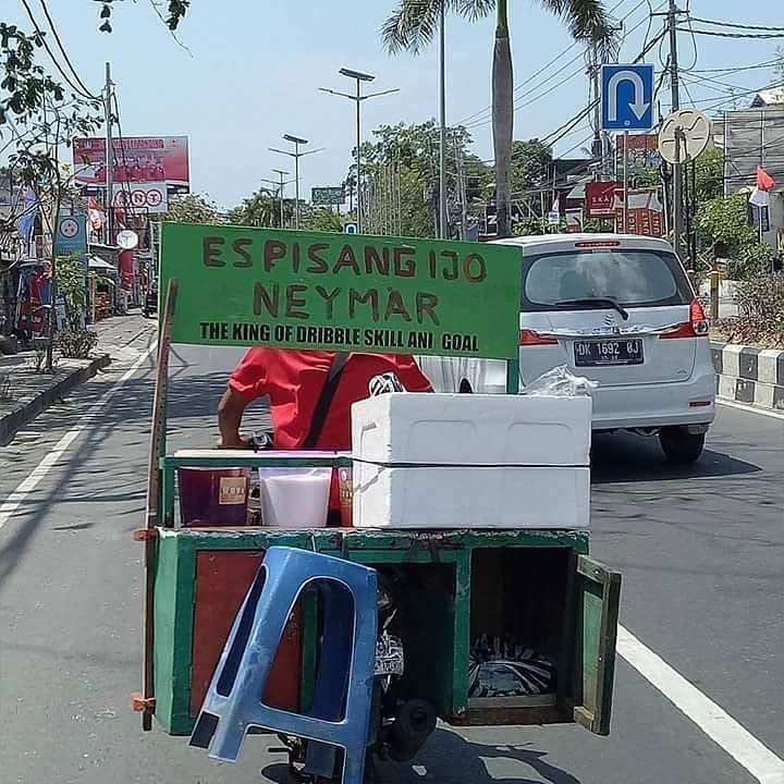 Spanduk jualan pedagang es © 2019 1cak.com