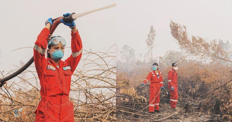 6 Potret Awkarin padamkan kebakaran hutan Kalimantan, tuai pujian