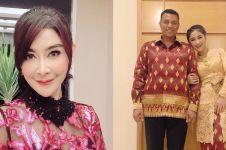 4 Tahun menikah, Uut Permatasari beberkan fakta gaun pengantinnya