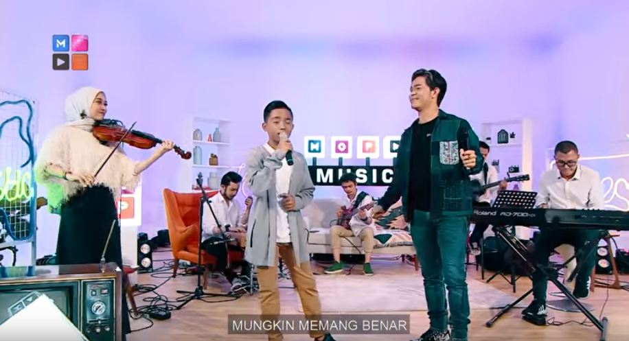 Betrand Peto duet dengan 7 penyanyi top berbagai sumber