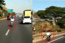 Viral, video emak-emak terobos jalan tol pakai motor di Surabaya