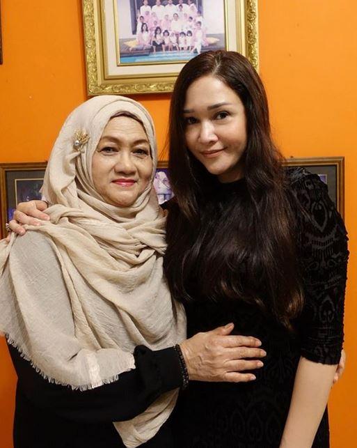 Pesona ibu Diva Pop Tanah Air yang memesona Instagram
