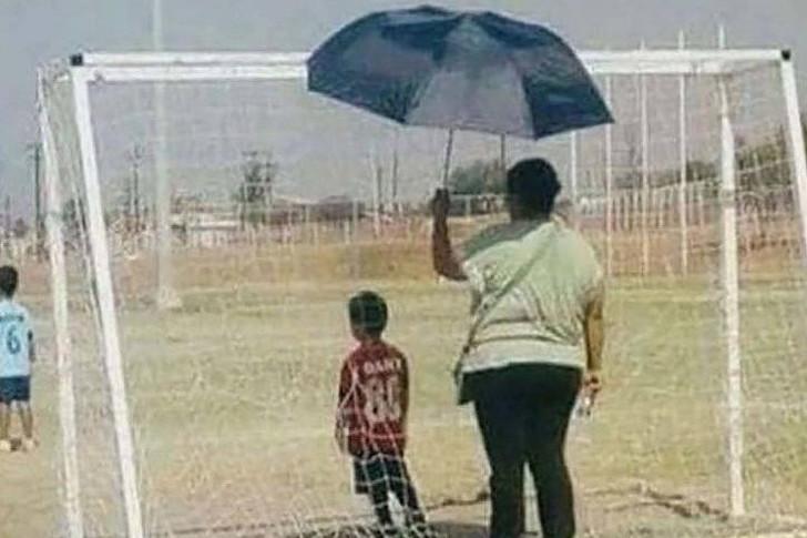 10 Momen orangtua saat semangati anaknya ini bikin terharu
