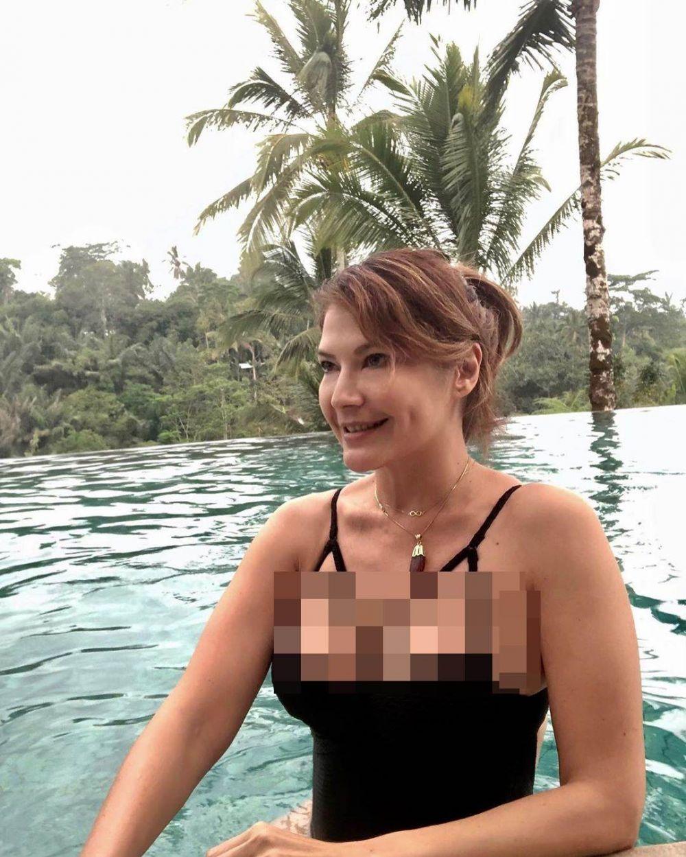 Komentar Inul di foto Tamara Bleszynski pakai bikini jadi sorotan instagram