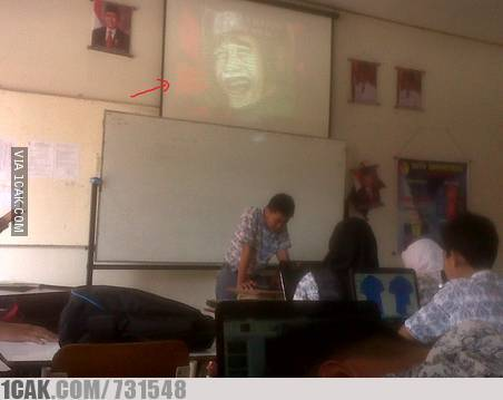 gambar lucu presentasi kelas Istimewa