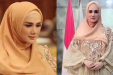 Gaya hijab Mulan Jameela saat kerja ini tuai sorotan
