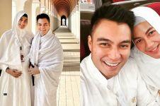 11 Momen Baim Wong dan istri saat umrah, Paula curi perhatian