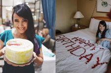 10 Momen perayaan ulang tahun Sharena Delon, staycation di hotel