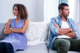 40 Kata-kata kecewa buat mantan pacar paling emosional