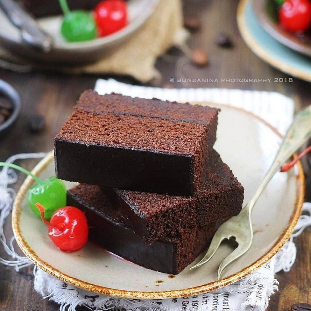 13 Cara membuat brownies kukus, enak, lembut & mudah dibuat Instagram/@resepbrownis  @resepkuetrending