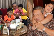 Aliya unggah foto SBY asuh 3 cucunya, ada pigura Ani Yudhoyono