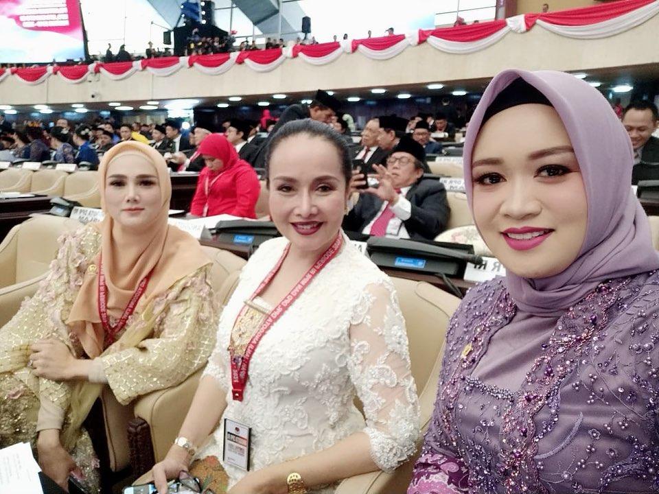 Mulan Jameela jadi anggota DPR Instagram