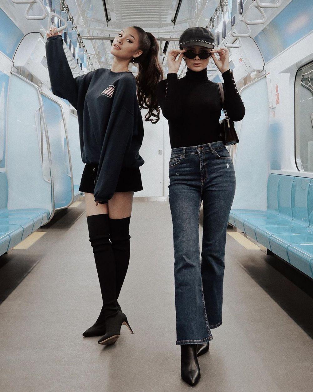 Amanda Rawles dan Caitlin Halderman © 2019 Instagram