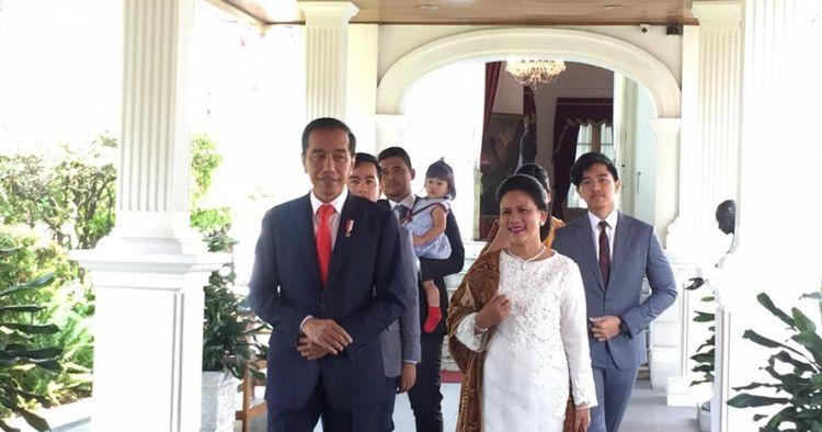 Presiden Jokowi turun mobil jelang pelantikan, 2 pesan tersirat