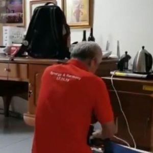 Ganjar Pranowo unggah video setrika baju ini bikin salah fokus