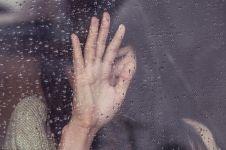 40 Kata-kata galau cinta paling sedih dan bikin baper