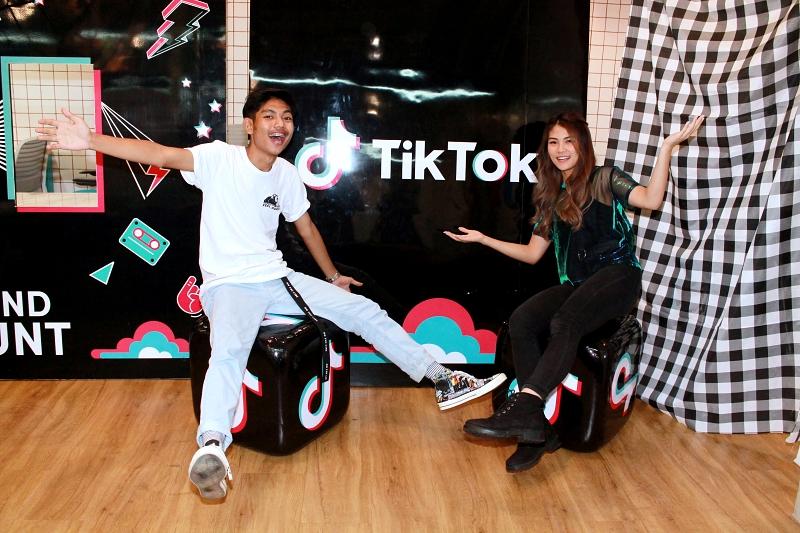 Inilah kisah di balik dua anak muda yang terkenal melalui TikTok