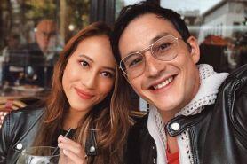 Momen manis Mike Lewis lamar kekasihnya di Eropa, so sweet