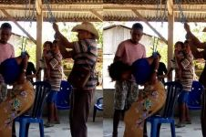 Viral gadis NTT disiksa kepala desa, diduga curi perhiasan