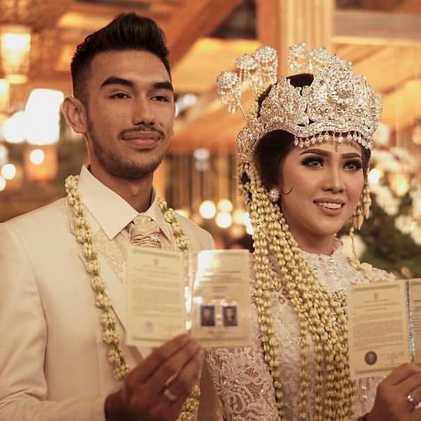 Beda gaya pernikahan pemeran Anak Langit Instagram